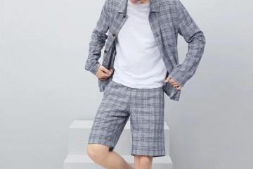 气温的升高让人猝不及防男人时尚穿搭的诀窍在于穿对根底版