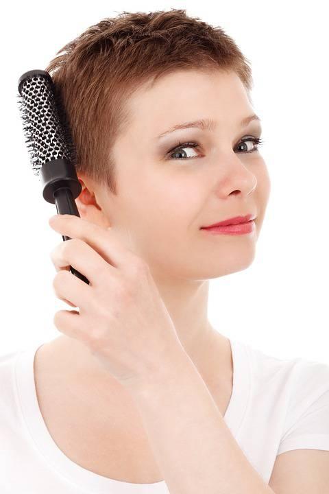 头发干枯有头屑怎么样怎么样做才会让头皮更健康