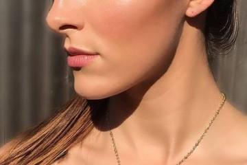 鼻梁上有雀斑怎么遮住你知道你的脸为什么长雀斑吗